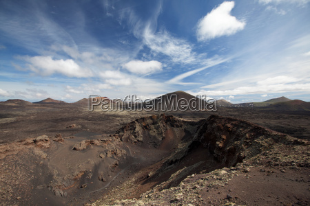 volcanic landscape in lanzarote