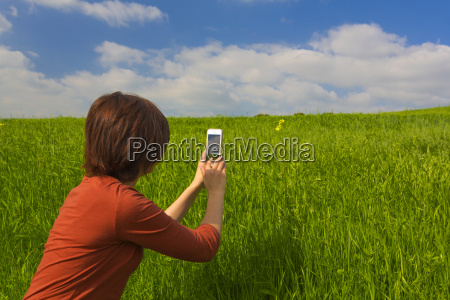 taking pictures with a cellphone