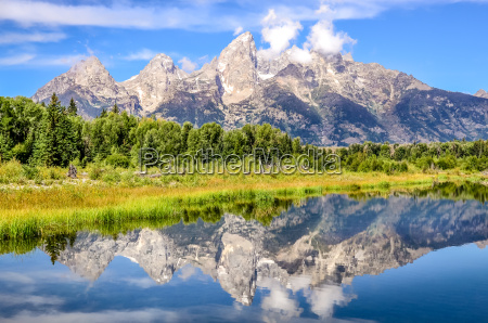 grand teton mountains landscape view with
