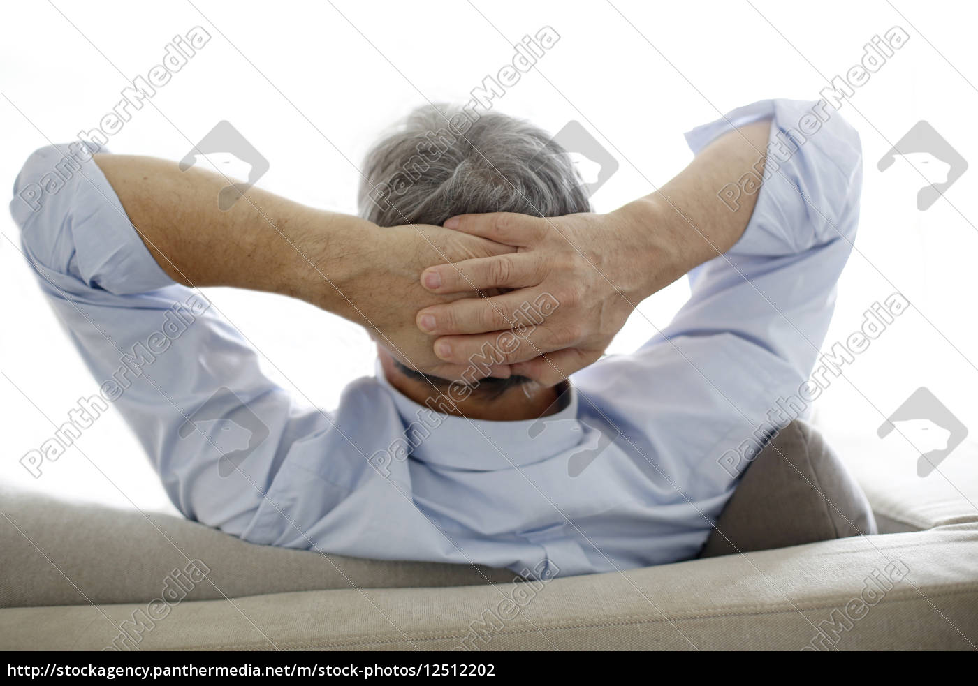back, view, of, old, man, relaxing - 12512202