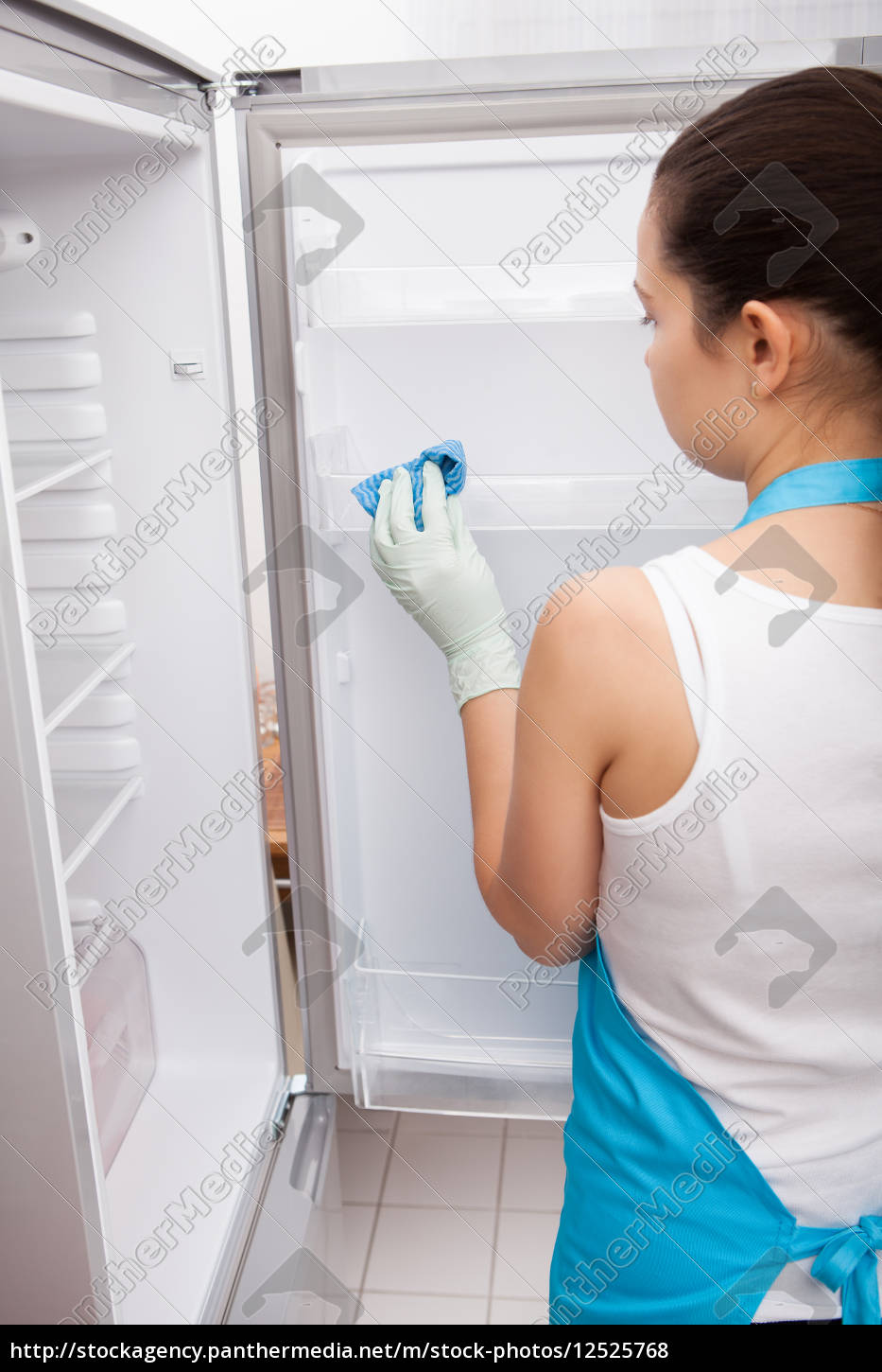 woman, cleaning, refrigerator - 12525768