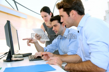 sales, people, meeting, in, office - 12528442