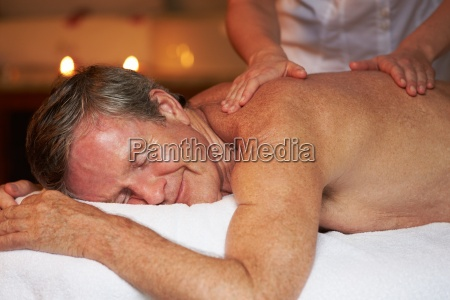 senior, man, having, massage, in, spa - 12539472