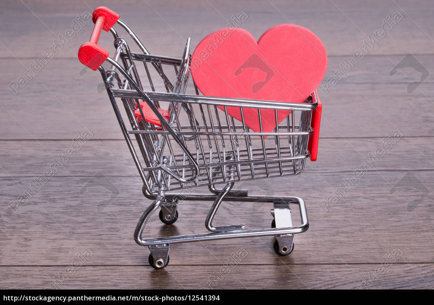 heart, in, shopping, cart - 12541394