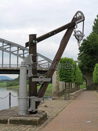 crane on the river weser in
