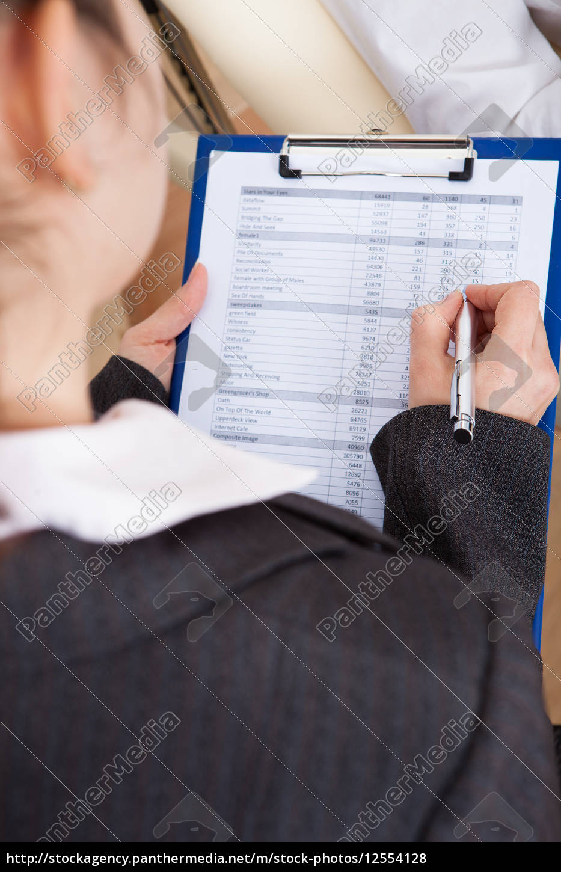 psychiatrist, writing, on, clipboard - 12554128
