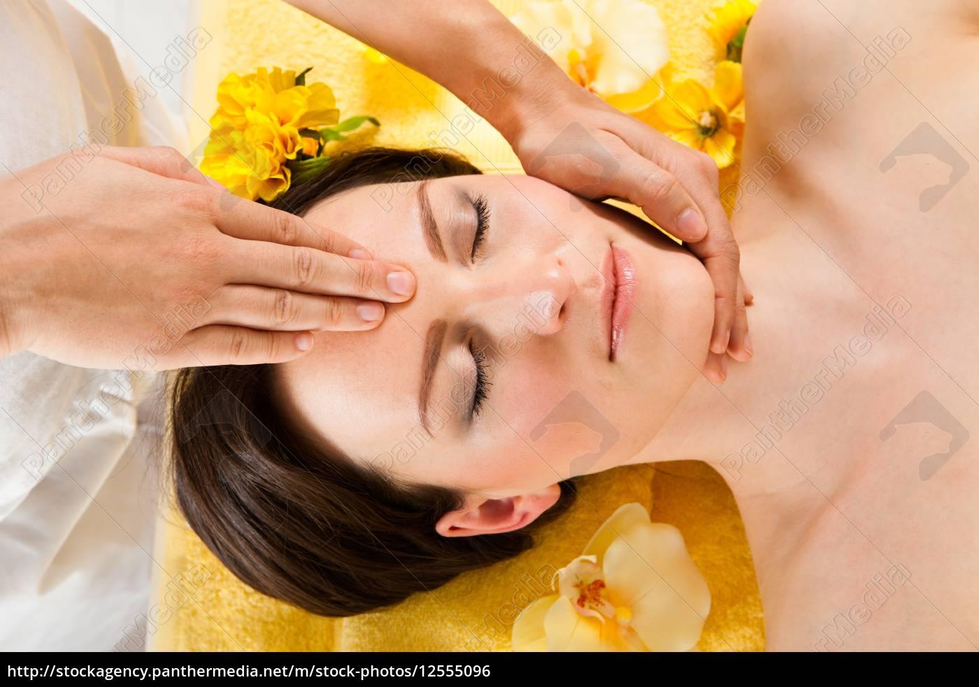 woman, receiving, head, massage, in, spa - 12555096