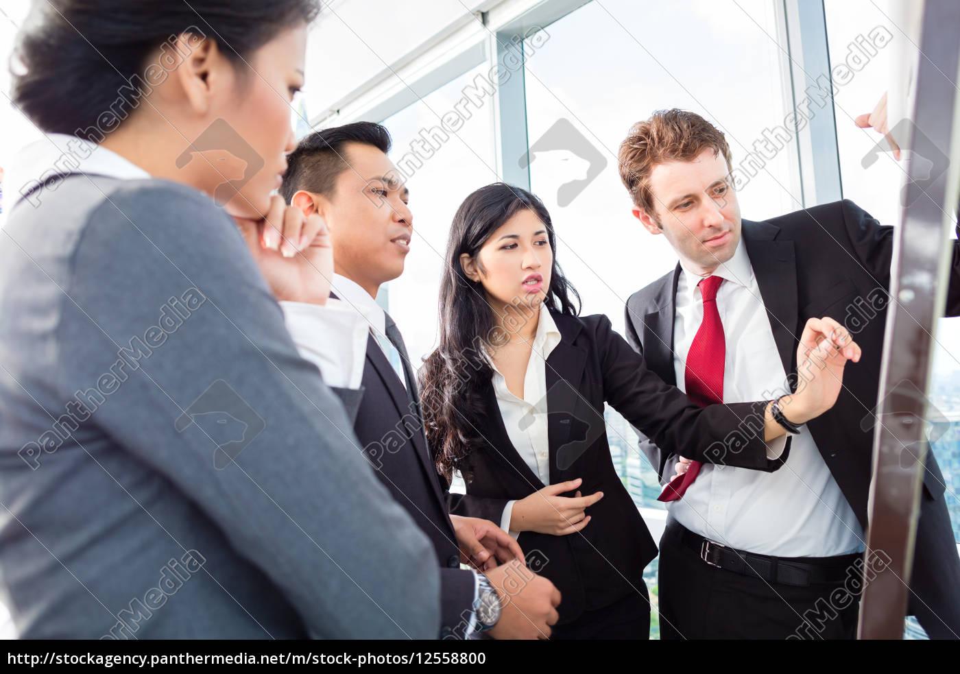 international, business, team, on, flipboard - 12558800