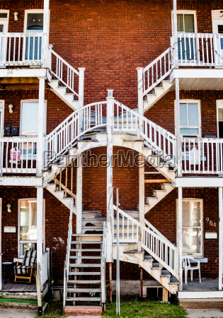 symmetrical staircases in the poor trois