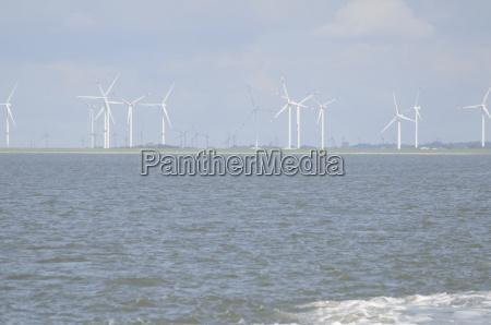 north sea wind turbines