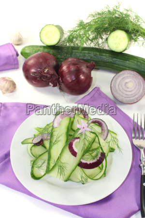 cucumber salad with onions and garlic