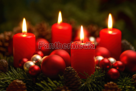 advent wreath with 4 rings