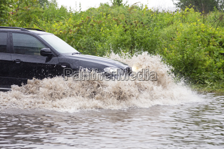 vehicle in flood