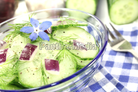 cucumber salad with red onion and