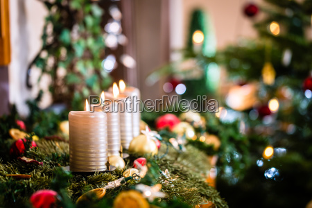 advent, wreath, and, christmas, tree - 12759536