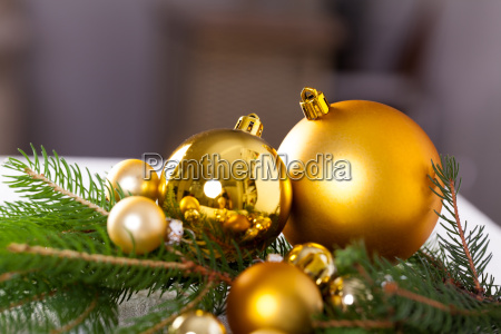 golden shiny christmas tree decoration advebtsschmuck