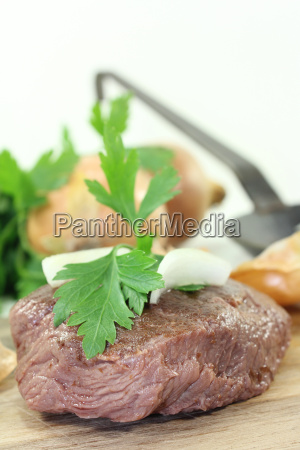 ostrich steaks with onions