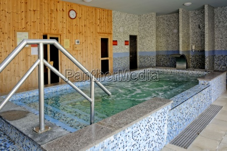 whirlpool in fried castle hotel with
