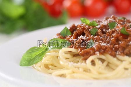 spaghetti bolognese nudeln pasta gericht mit
