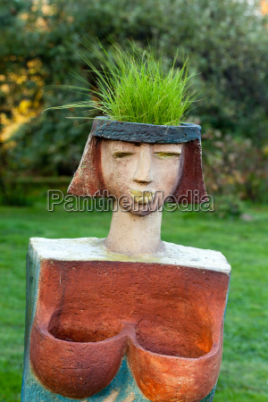the flower pot in the form