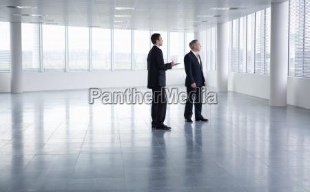 movimento in movimento ufficio uomini uomo