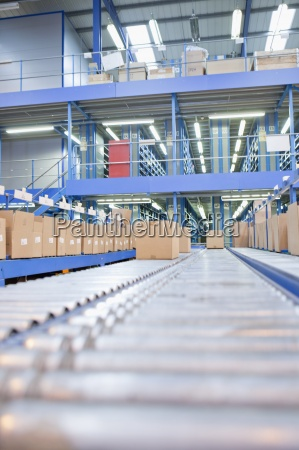 boxes on conveyor belts in distribution