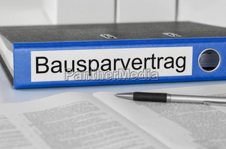 file folder with the caption bausparvertrag