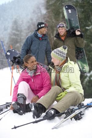 couples on ski vacation