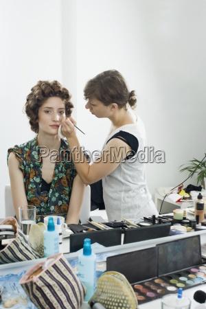 frau frauen mode farbe weiblich studio