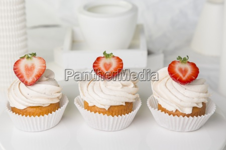 aaa baked goods baked products berry