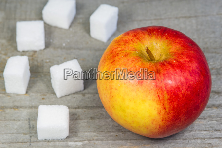 apple and sugar cubes