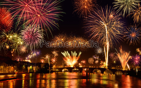 spectacular new years eve fireworks