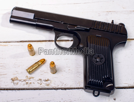 tokarev pistol used by the red