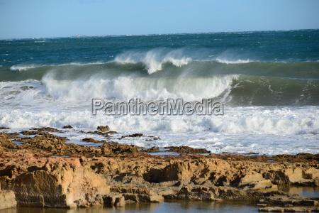 ondas de agua mediterraneo de agua