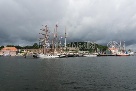 regatta escort tour