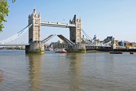 tower bridge in london open