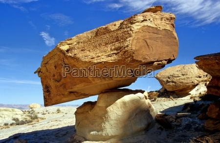 stone desert wasteland usa rock tip