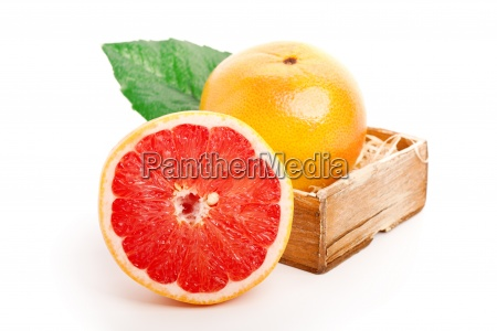 grapefruit in the wooden bowl on