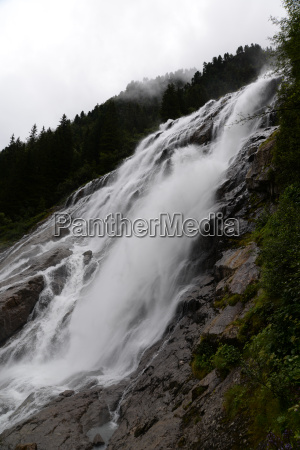 grawa waterfall im stubai