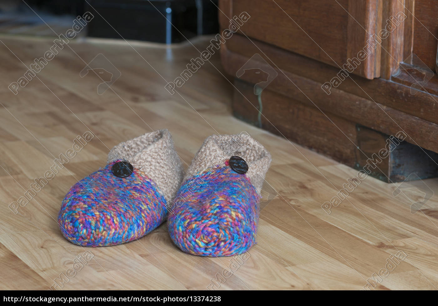 slippers - 13374238