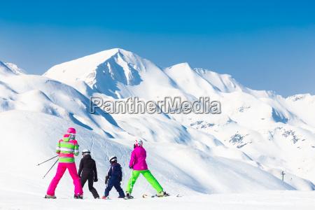 family on ski vacations