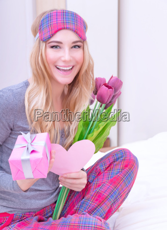 receive gifts on valentines day