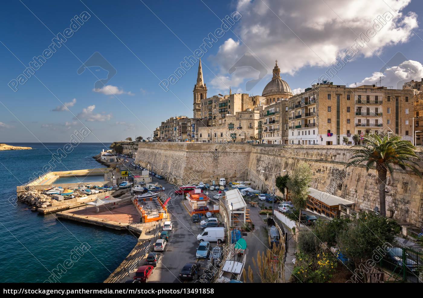 skyline, of, the, maltese, capital, city - 13491858