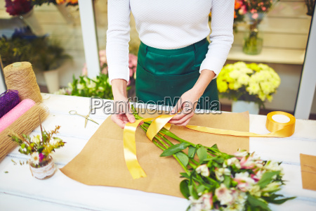 wrapping, flowers - 13502410