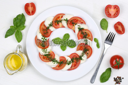 ingredients for caprese salad with tomatoes