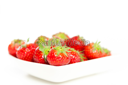 fresh strawberries in a bowl in