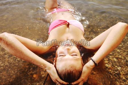 woman, at, the, lake - 13523014