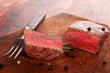 steak, eating. - 13531132