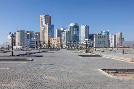 buildings in the city of fujairah