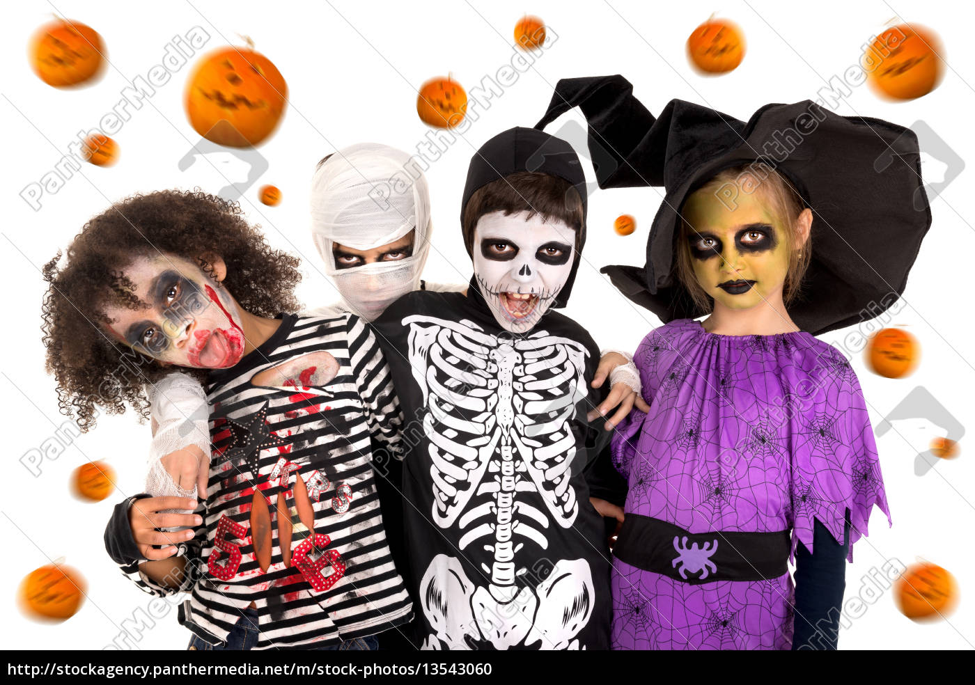kids, in, halloween, costumes - 13543060